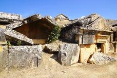 Rovine della tomba antica in Hierapolis Immagine Stock