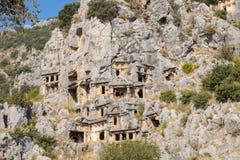 Rovine della tomba della roccia di Myra a Demre fotografia stock libera da diritti
