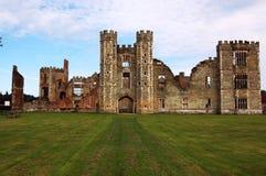 Rovine di Cowdray, Sussex ad ovest Fotografia Stock