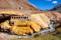 Rovine di Gorgeous Puente del Inca fra il Cile e l'Argentina fotografie stock
