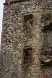 Rovine di Invergarry del castello in altopiani, Scozia Immagine Stock