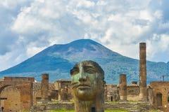 Rovine di Pompei dopo l'eruzione di Vesuvio a Pompei, Italia fotografie stock