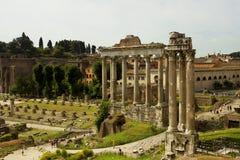 Rovine di Roman Forum un giorno di molla Fotografie Stock Libere da Diritti