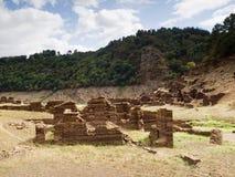 Rovine di un villaggio nel bacino idrico Belesar, Lugo, Galizia, Spai Fotografie Stock