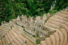 Rovine di una città antica su Inca Trail a Machu Picchu, Perù Immagini Stock Libere da Diritti