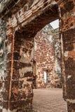 Rovine di una fortificazione di Famosa sulla collina di St Paul Fotografia Stock Libera da Diritti