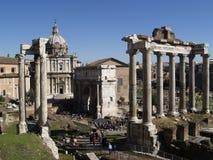 Rovine di una tribuna romana antica Fotografia Stock