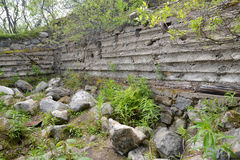 Rovine di vecchie PORTAPILLOLE tedesche dei periodi della seconda guerra mondiale, regione di Murmansk Fotografie Stock