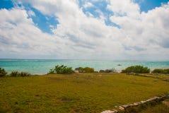 Rovine maestose in Tulum Tulum è una stazione turistica sulla costa caraibica di Mexicos il XIII secolo, sito archeologico maya m fotografia stock