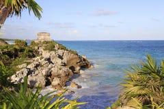 Rovine maya e mare di Carraibean in Tulum Immagine Stock