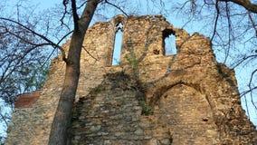 Rovine medievali dei churchs a Budapest Immagine Stock