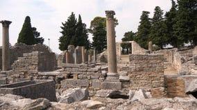 Rovine molto vecchie a partire dallo XVII secolo BC, città antica Salona, Croazia video d archivio