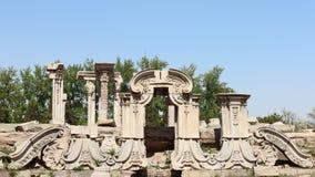 Rovine nel vecchio palazzo di estate Immagine Stock