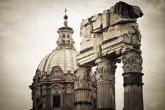 Rovine romane a Roma, tribuna Fotografia Stock