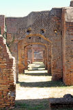 Rovine romane - strada incurvata antica Immagini Stock