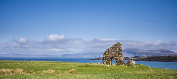 Rovine sull'isola di Iona fotografia stock