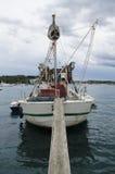 Rovinj, Rovigno, Oud schip bij de jachthaven Royalty-vrije Stock Afbeeldingen