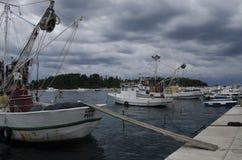 Rovinj, Rovigno, Oude schepen bij de jachthaven Stock Afbeelding