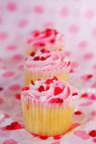 row of valentines day cupcakes Royalty Free Stock Photos