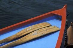 Rowboat auf einem See Stockfotos