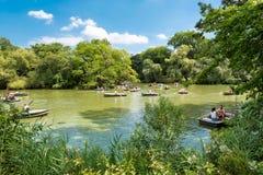 Rowboats на озере на Central Park в Нью-Йорке Стоковые Фото