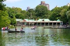 Rowboats на озере на Central Park в Нью-Йорке Стоковая Фотография