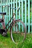 rowerów stojaki starzy drogowi wiejscy fotografia stock