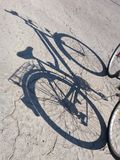 Rowerów szczegóły - ciska cień zdjęcia stock