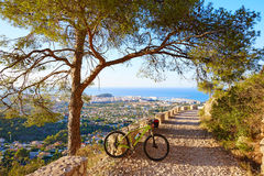 Rower górski MTB Denia przy Montgo śladem Hiszpania Zdjęcie Stock