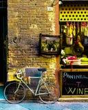 Rower przed sklepem w Siena obrazy stock