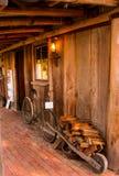 Rower przy domem wiejskim obrazy royalty free