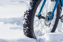 Rower Toczy wewnątrz śnieg Obrazy Royalty Free