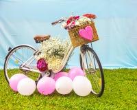 Rower z kwiatami Zdjęcie Stock