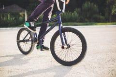 rowerowi bmx jeźdza potomstwa Zdjęcia Royalty Free