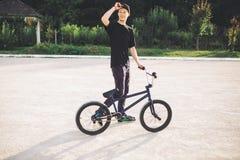 rowerowi bmx jeźdza potomstwa Obrazy Stock