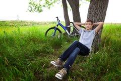 rowerowi nastolatka target3939_0_ drewna Zdjęcia Royalty Free