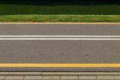 Rowerowy ścieżka bieg wzdłuż kanałowego banka Fotografia Stock