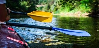 Rowers на плавать каное Стоковые Фото