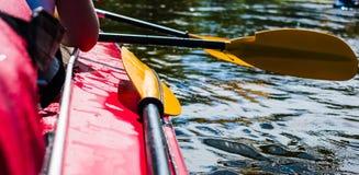 Rowers на плавать каное Стоковая Фотография RF