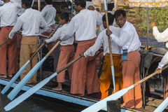 Rowers на шлюпке Стоковые Фото
