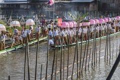 Rowers на шлюпке Стоковые Изображения