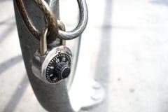 Roweru stojaka stalowy drut i kombinacja kędziorek Zdjęcie Royalty Free