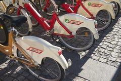 Roweru wynajmowanie nazwany BikeMi zdjęcia royalty free