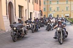 Rowerzyści jedzie Harley Davidson zdjęcie stock