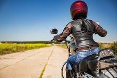 Rowerzysta dziewczyny osoby widok zdjęcie stock