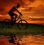 rowerzysta góra Obraz Royalty Free