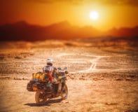 Rowerzysta w Atacama zdjęcia royalty free