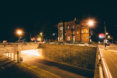 Rowhouses and the K Street Underpass at night, at Washington Cir Royalty Free Stock Photos