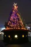 Roxo e árvore de Natal do ouro imagem de stock royalty free
