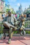 Roy Disney y Minnie Mouse Foto de archivo